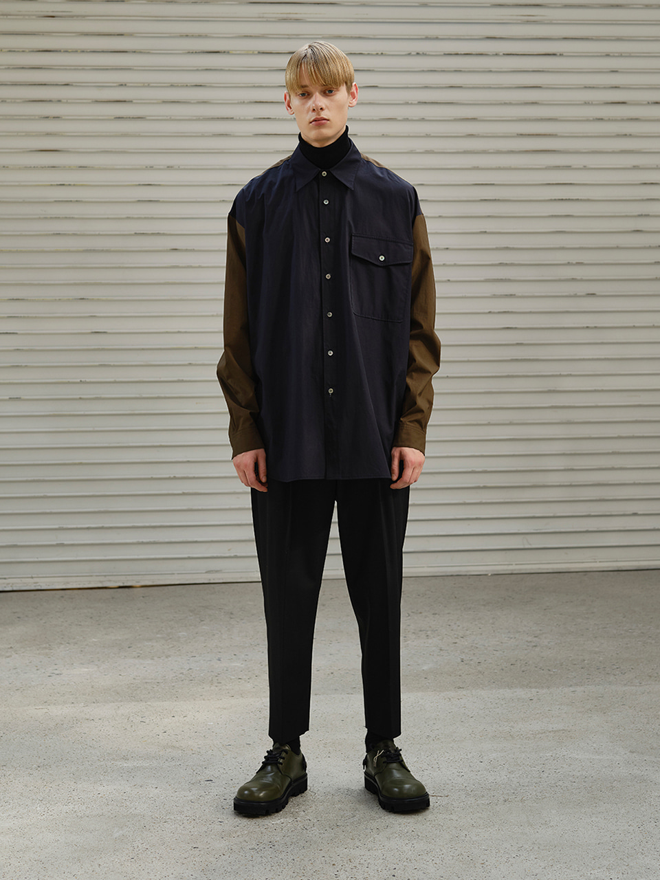 [FW20] DOUBLE COLOR OVERSHIRTS(Navy) IEY [FW20] DOUBLE COLOR OVERSHIRTS(Navy)