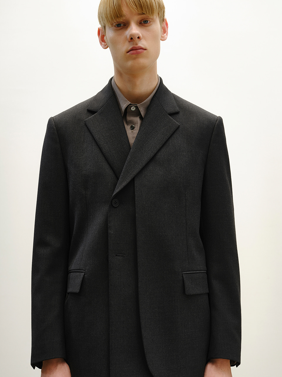 [FW20] LAYERED DOUBLE BLAZER(Dark Grey) IEY [FW20] LAYERED DOUBLE BLAZER(Dark Grey)