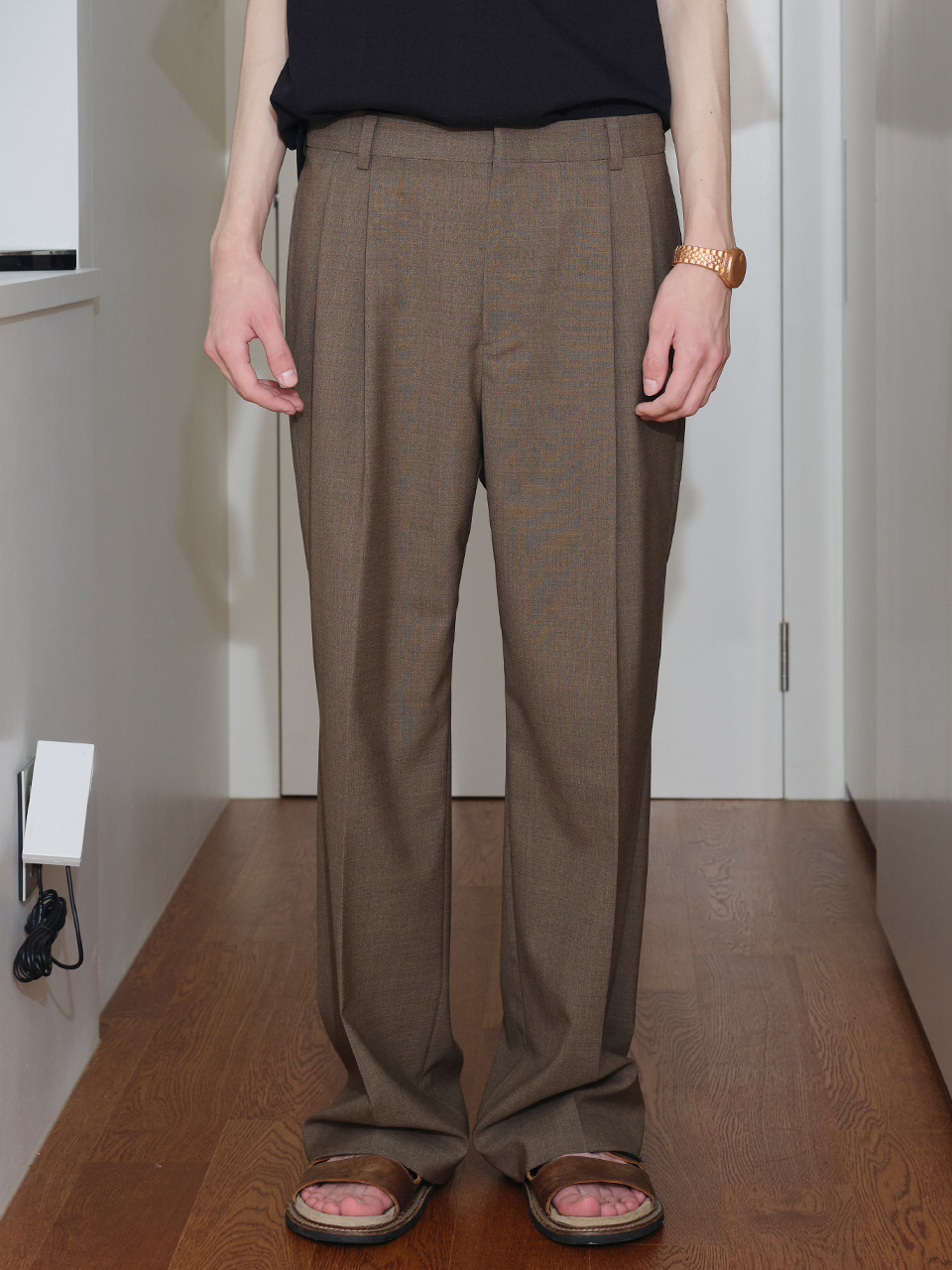 IEY  - [SM21] TAILORED OVER PANTS (F003) Dark Beige